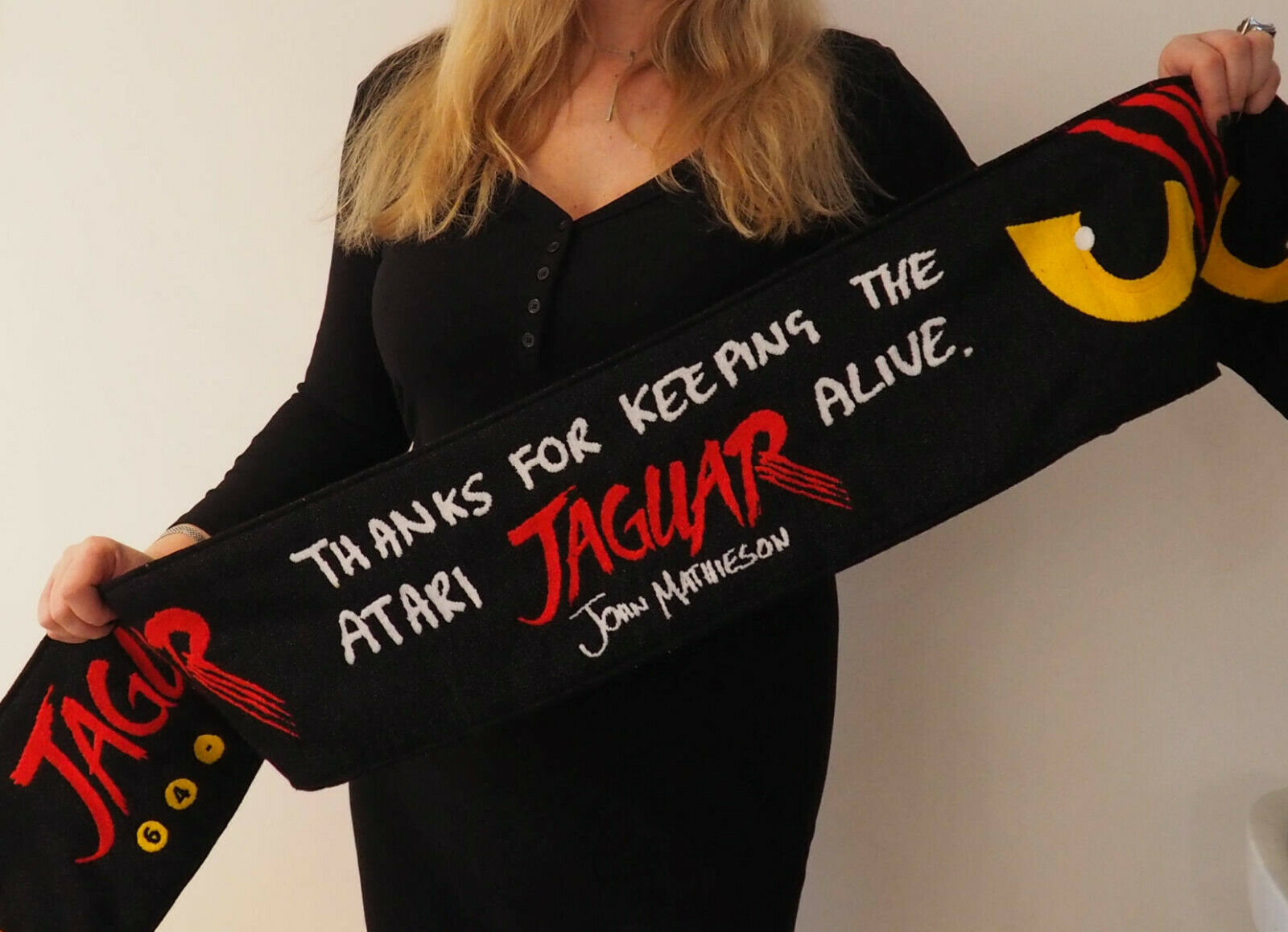 http://www.retroventure.eu/images/products/scarves/forum/01.jpg